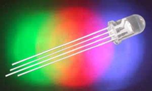 LED  5mm RGB  1500/5000mcd/30°  čirá,   20mA
