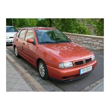 Lemy blatníku SEAT CORDOBA 1993 - 2002 plastové 4dveř 4ks
