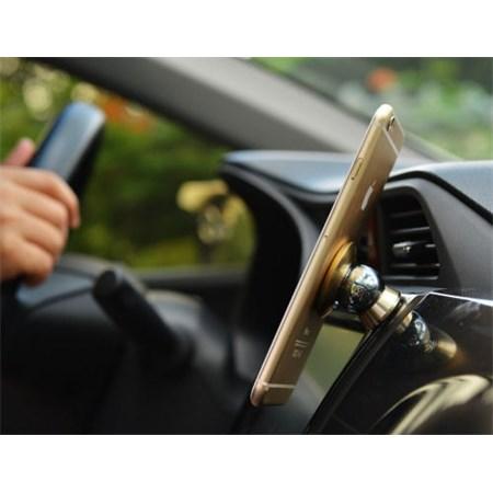 Držák mobilního telefonu, navigace apod., magnetický