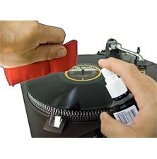 Čistící sprej a antistatická utěrka na gramofonové desky